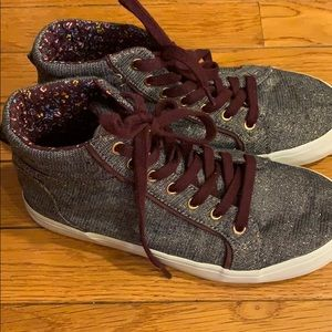 Girls Old Navy high tops 3